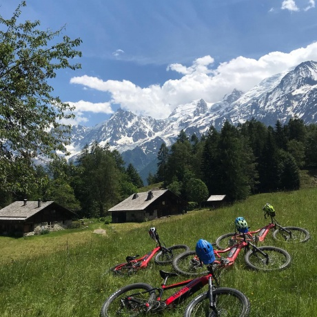 Electric Mountain Biking facing Mont Blanc & Picnic