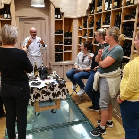 Cheese and wine tasting in Annecy