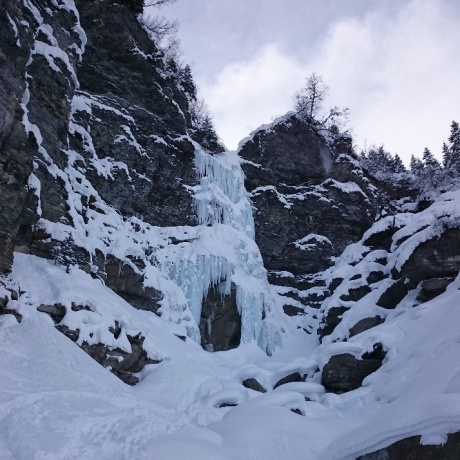 Icefall  -  Snowshoeing day
